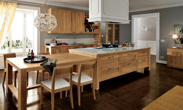 Cuisine traditionelle de marque Home cuisines en massif et plan de travail en Silestone
